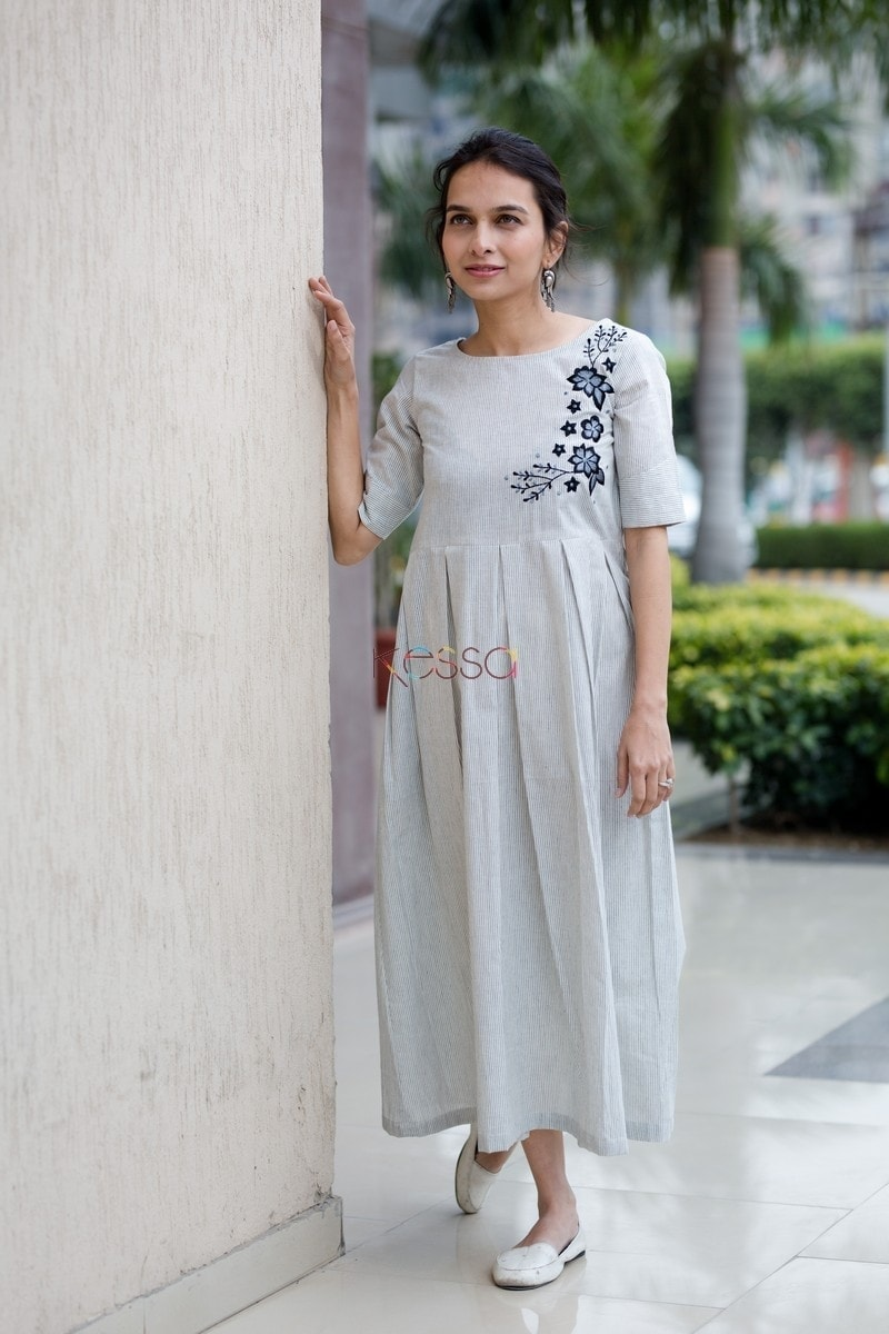 White Embroidery Dressfront