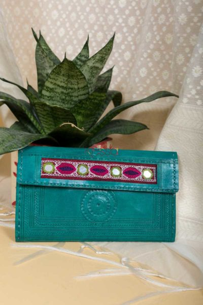 Kessa Kewa04 Green Camel Leather Handcrafted Wallet Featured