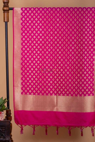 Kessa Kudu59 Magenta Banarsi Square Zari Dupatta Featured
