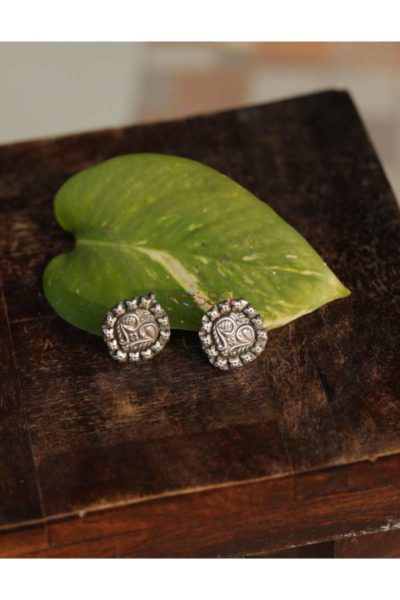 Kt132 Silver Tribal Studs Front
