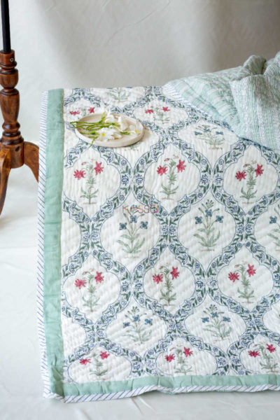 Kessa Kaq02 Gray Mughal Print Double Bed Quilt Look