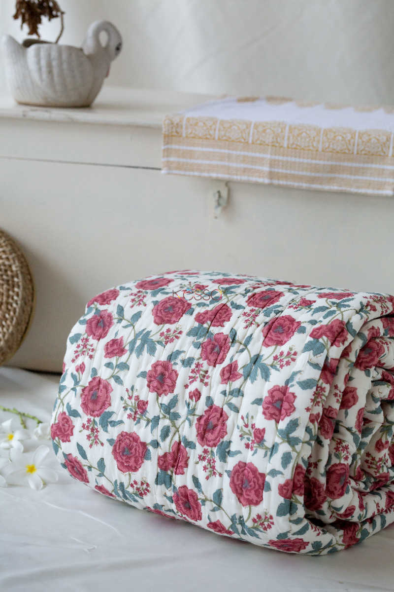 Kessa Kaq09 Red Floral Jaal Single Bed Quilt Featured