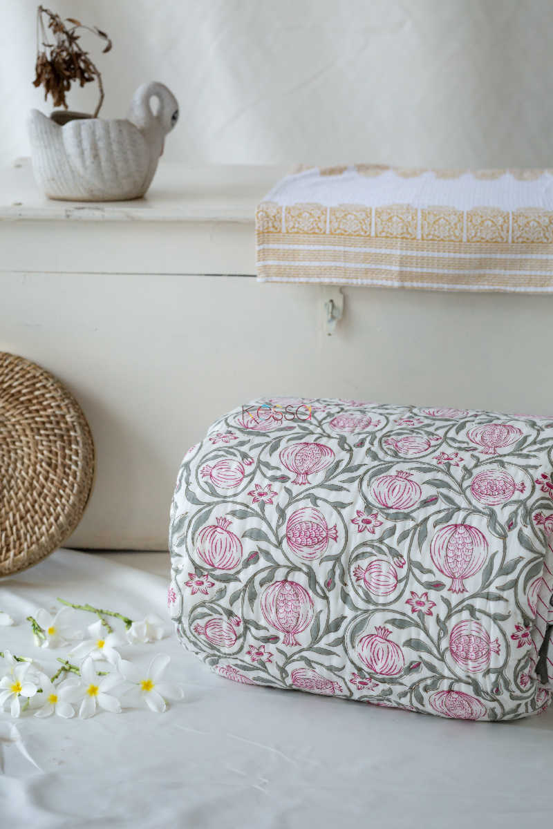 Kessa Kaq11 Bouquet Pink And Green Single Bed Quilt Featured