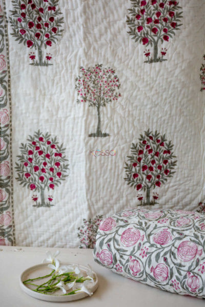 Kessa Kaq11 Bouquet Pink And Green Single Bed Quilt Look 1