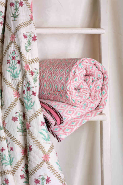 Kessa Kaq39 Coral Tree Pink Double Bed Quilt Both