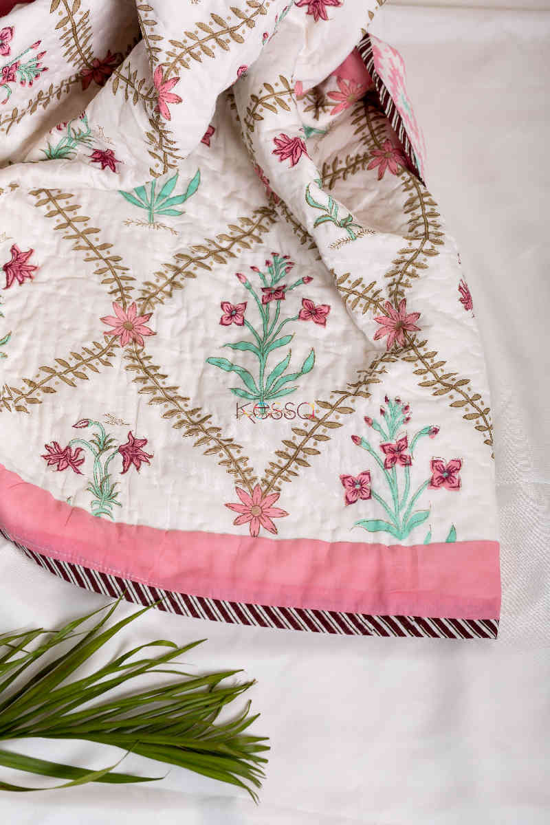 Kessa Kaq39 Coral Tree Pink Double Bed Quilt Close
