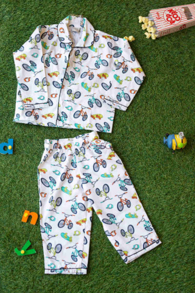 Ws572 White Cycle Mill Print Kids Night Suit