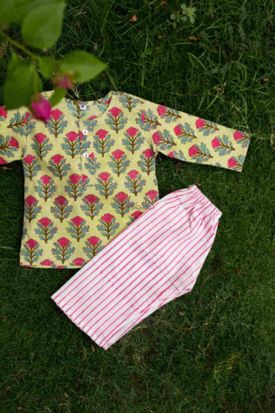 Kessa Wsrk02 French Rose New Born Jammies Set Featured 1