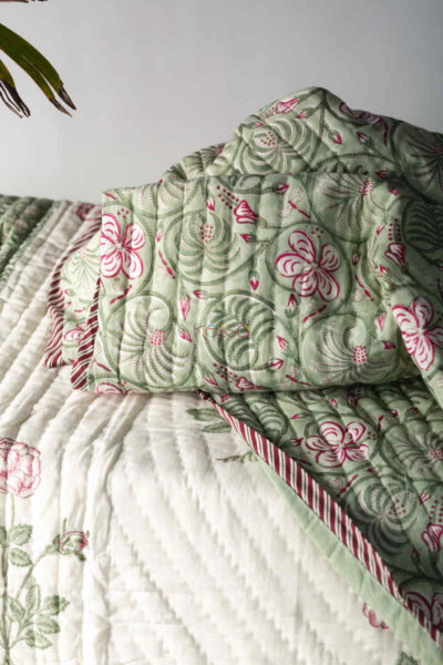 Kessa Kaq129 Camouflage Green Double Bed Quilt Closeup