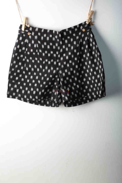 Kessa Wss07 Black And White Printed Shorts Featured