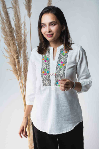 Kessa Avdaf40 Badra Top With Embroidery Details Front