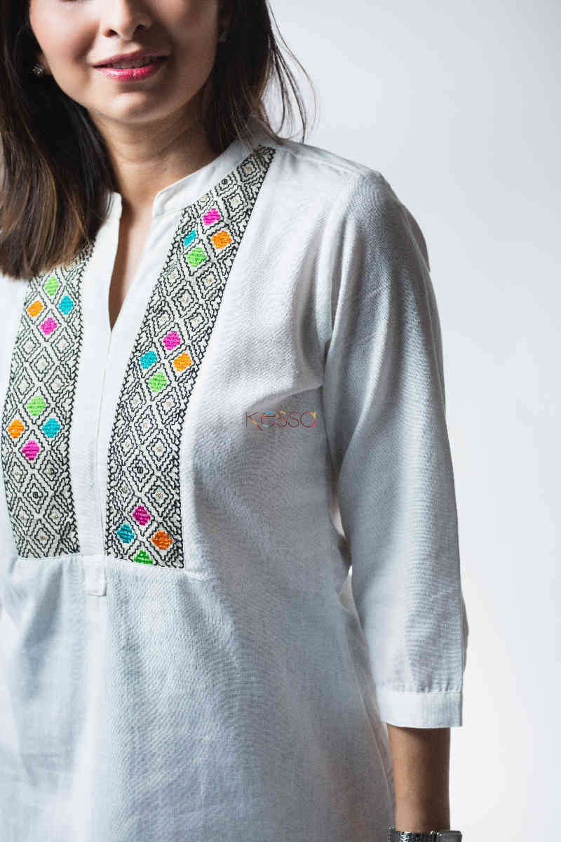 Kessa Avdaf40 Badra Top With Embroidery Details Top