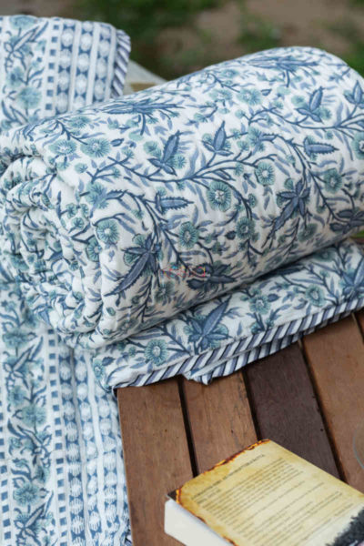 kessa kaq151 cadet blue and white single bed quilt look 1